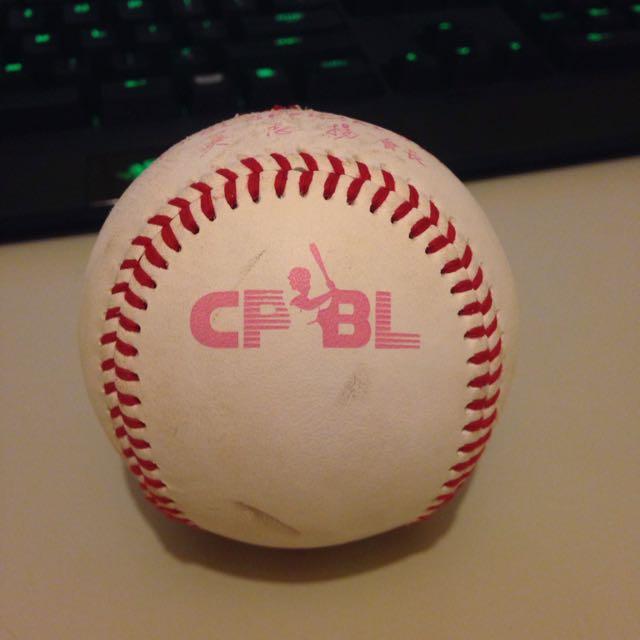 CPBL 中華職棒比賽用球 例行賽 母親節限定版 紀念球 界外球