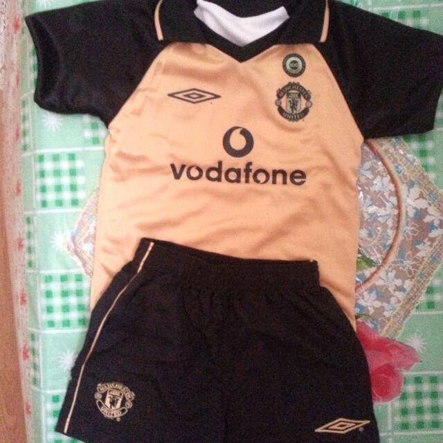 8c82f3de9 Price Reduce  60 MANCHESTER UNITED Jersey With Pants ( Original ) 100%
