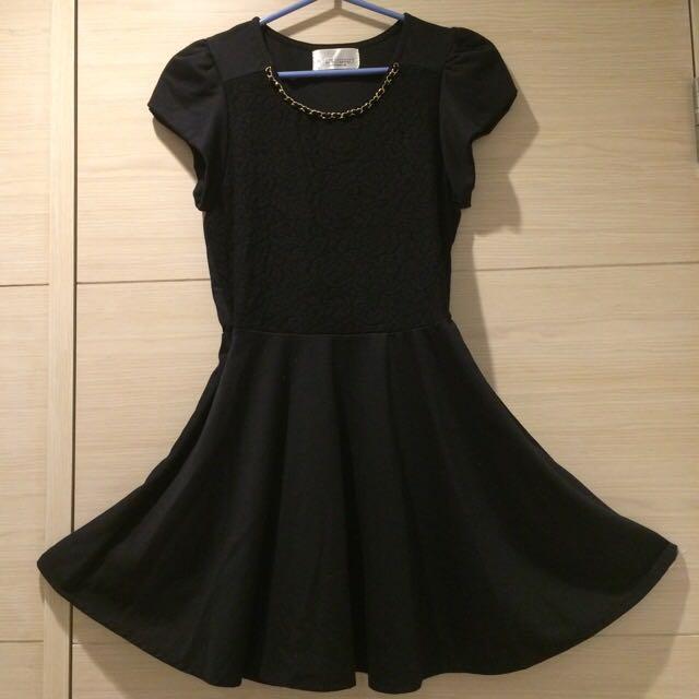 【全新】STARMIMI黑色金鍊 蕾絲 傘狀 小墊肩 典雅連身洋裝
