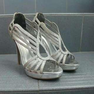 [PL] (IncPost) Silver High Heels