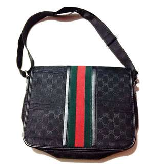 Pre Loved Gucci Messenger Bag