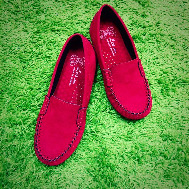 「全新」仿麂皮小紅鞋