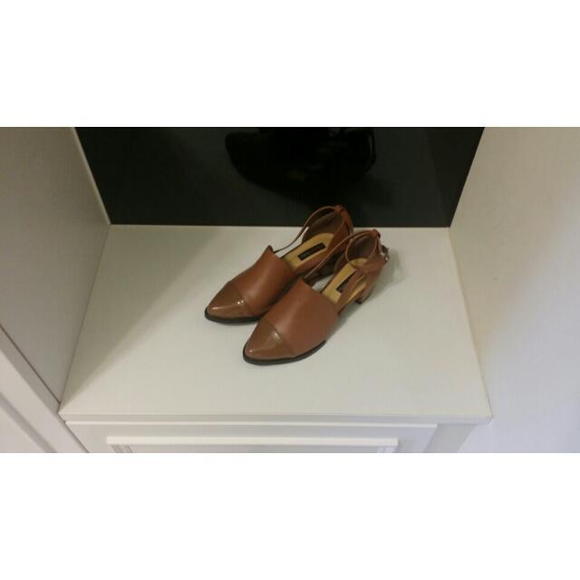 Ann復古t字小粗跟尖頭鞋
