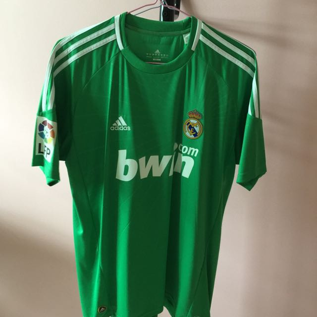 size 40 133df d2858 Offical Real Madrid 10/11 Goalkeeper Away Kit With Casillas ...