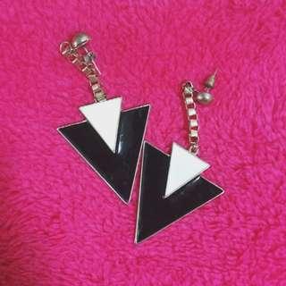 黑白三角幾何耳環