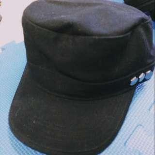 黑色軍人帽