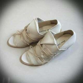 正韓shoe fitter marco 綁帶跟鞋 (米白37.5)