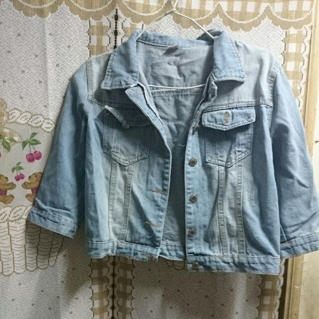 淺藍刷白短版牛仔外套