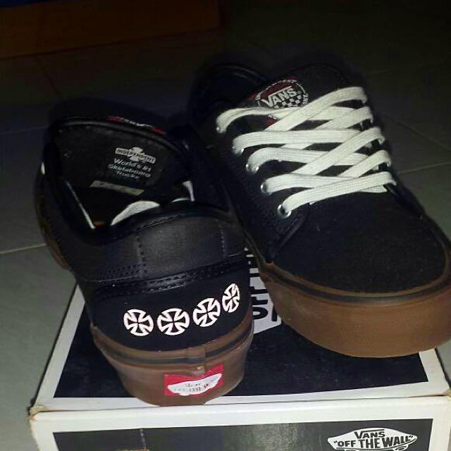 33ea7e4a7b Vans X Independent Chukka Low Shoes