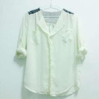 米白色雪紡上衣