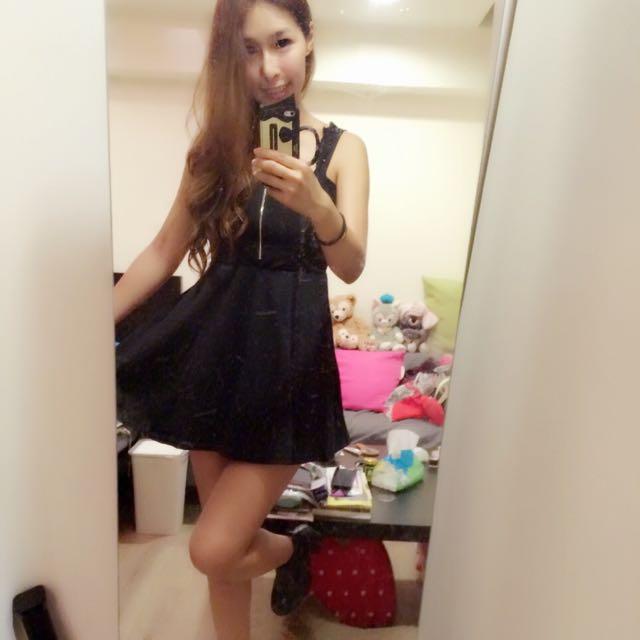黑色連身小洋裝