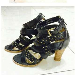 Air Space 黑色鉚釘羅馬高跟涼鞋 39 24.5