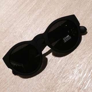 🚚 現貨❤️彈性粗邊墨鏡