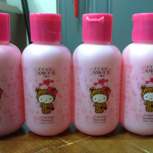 Hello kitty Coco Amour 旅行組60ml*4(洗髮,潤髮,沐浴,身體乳)