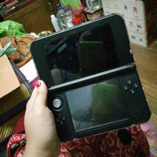 2nd Hand Nintendo 3DS XL (negotiable price)