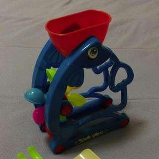 沙灘玩具 魚型水車玩