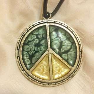 Peace 古典綠配象牙黃項鍊 (保留)