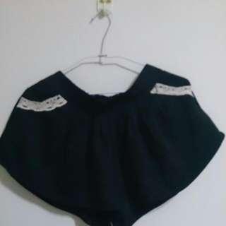 二手*黑蕾絲邊褲裙