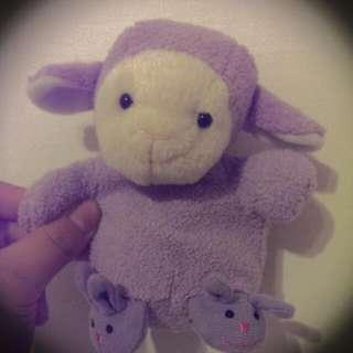 會唱歌的紫色羊娃娃