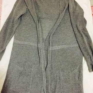 灰色針織長版連帽罩衫