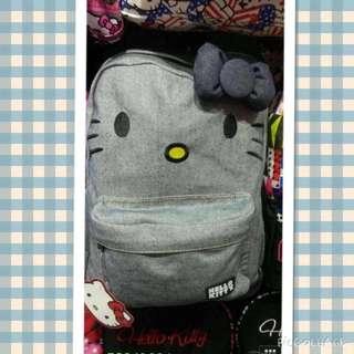獨特Hello Kitty貓耳朵造型的牛仔單寧後背包