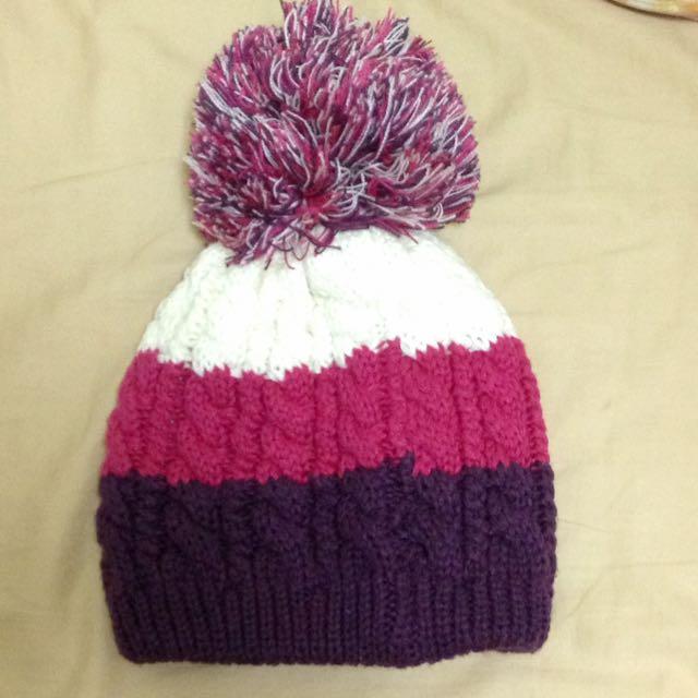 紫紅白配色毛帽
