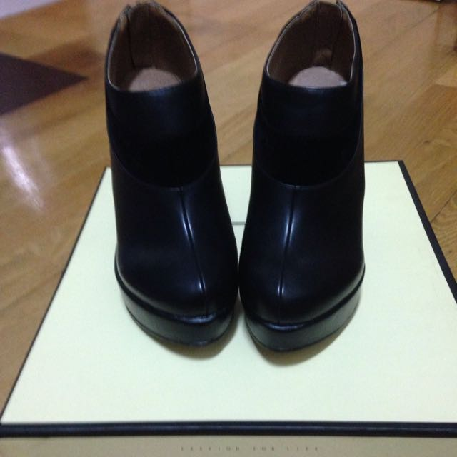 黑色Air space厚底鞋