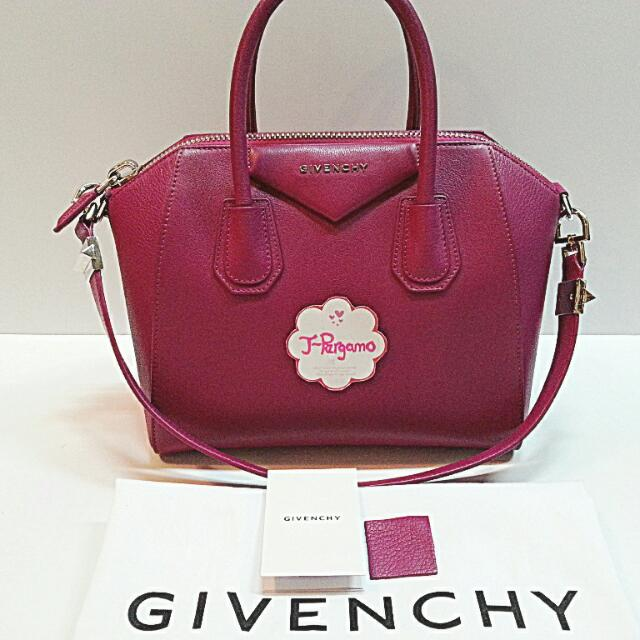 62d63bd55ba7 BN Authentic Givenchy Antigona Small With SHW     Only For Sale ...