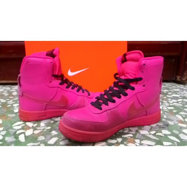 Nike 中筒球鞋