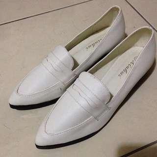 D+AF 全新 白色 尖頭 女鞋 39號