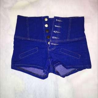 高腰釦牛仔短褲