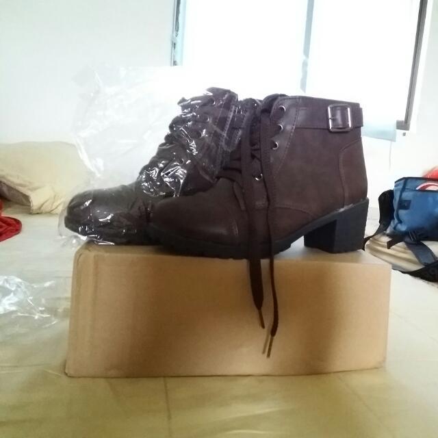 全新咖啡色跟靴#500元好女鞋