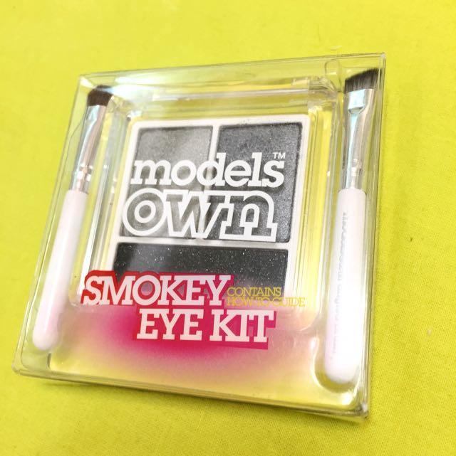 Modelsown 英國品牌正品 全新 煙燻黑 眼影盒 附刷具