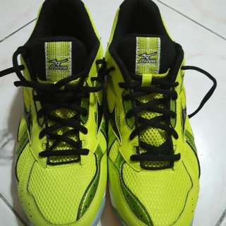 NEW Mizuno Wave Twister 2 (Court Shoes) Cheap Offer!! For Squash Badminton Tennis Volleyball Etc.