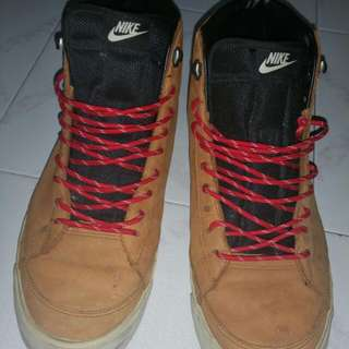 Used Authentic NIKE shoe