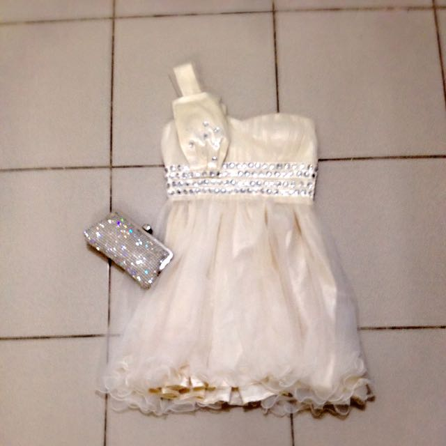 米白單肩亮鑽紗裙小禮服