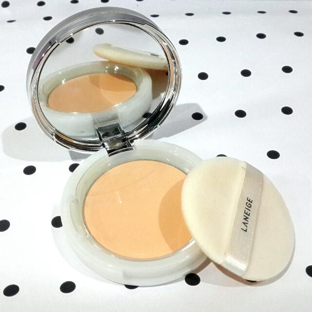 Laneige Water Supreme Finishing Pact in No. 2 Natural Beige