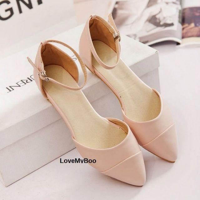 韓國甜美尖頭層次設計側空平底一字扣帶包鞋.共三色:粉色、米白、杏色(現+預7-14工作天)