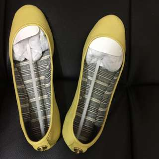 🎀COACH芥末黃平底鞋