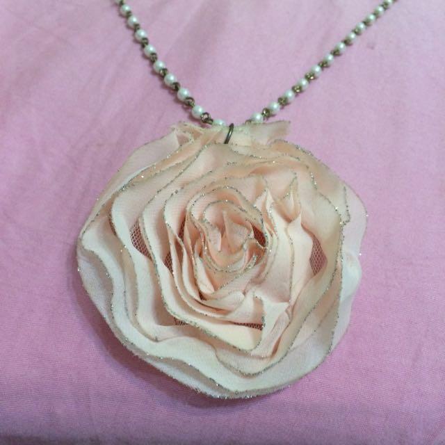 珍珠花朵長項鍊