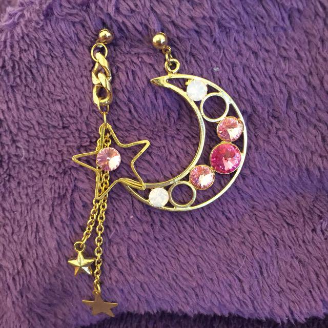 星星&月亮 粉鑽垂墜式耳環⭐️🌙