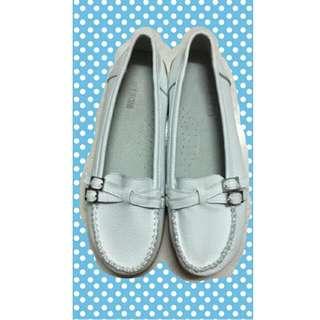 全新-白色淑女娃娃鞋*25號