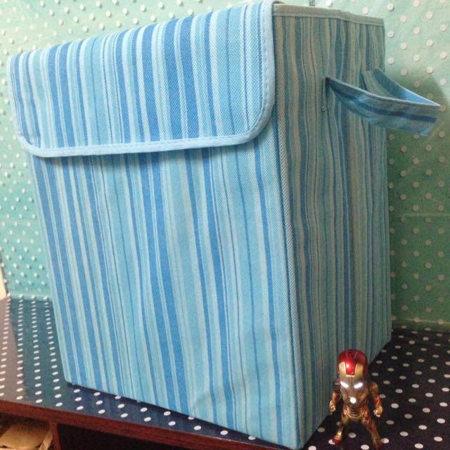 藍彩線條折疊收納箱🐛很實用喔~