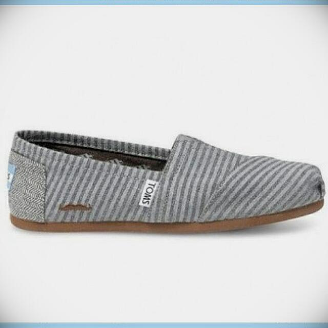 正品代購 Toms Movember Grey stripe wool 翹鬍子款 休閒懶人鞋