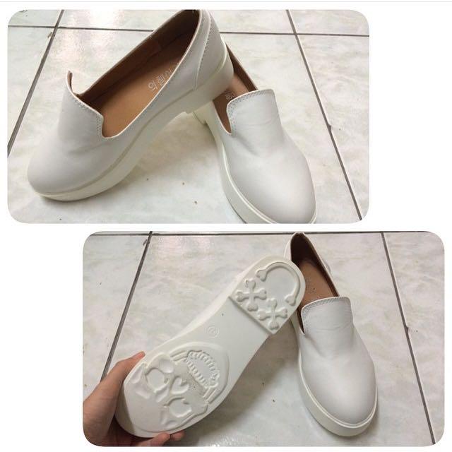 全新現貨✨白厚底鞋