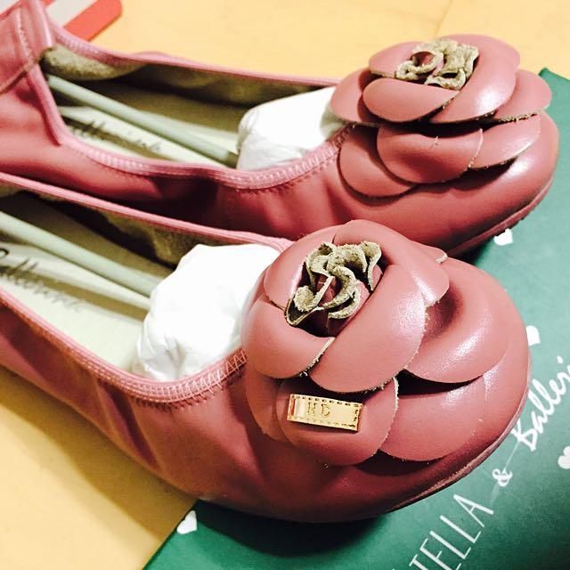 (降價,可議)超美🌺Ballerina 真皮山茶花娃娃鞋