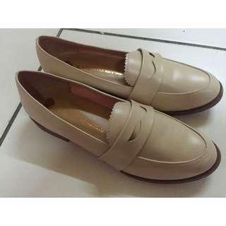 (全新含運)低根裸膚色鞋