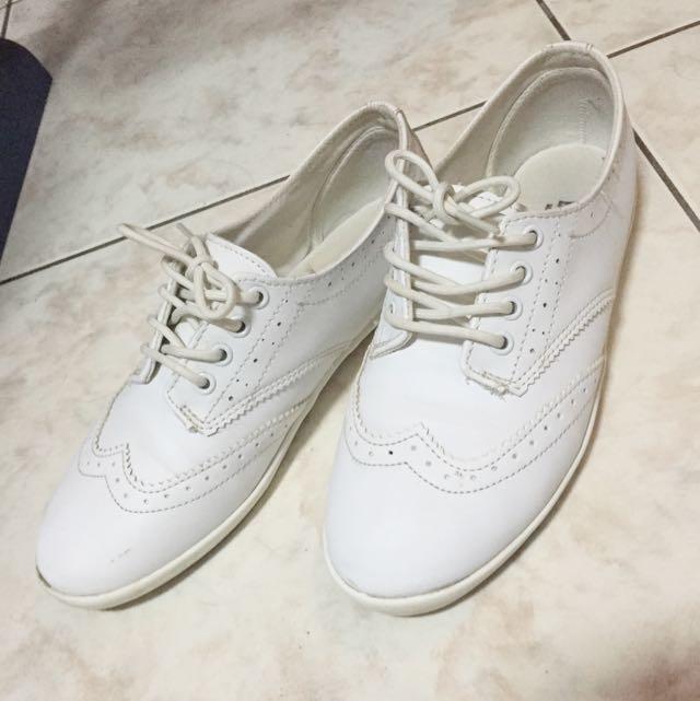 實搭小白鞋👈🏻