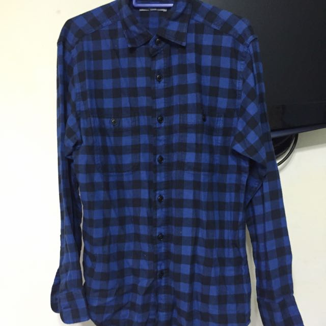 Uniqlo Blue Flannel Shirt Men S Fashion On Carousell