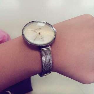 流行銀色手錶